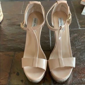 Very high nude wedges